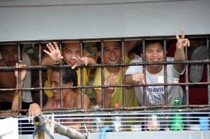 PHILIPPINES - Iligan - Visite de la prison de la ville avec le P. Ben
