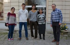 De gauche à droite: Solène, François, Federico, Sr Aparecida (formatrice), P. Marc (formateur)
