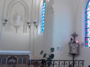 Notre petite chapelle où souvent nous rendons grâce à Dieu pour son amour